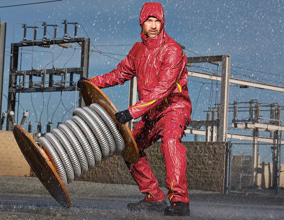 Pracujte za každého počasia. Oblečte nepremokavé pracovné odevy.